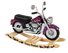 Based on the Softail, the licensed Kidkraft Harley Davidson Girls Roaring Rocker is made of wood and anchored on an anti-tip rocking base. The Kidkraft Harley Davidson Girls Roaring Rocker has authentic Harley-Davidson sound, side mirrors, reflector light Harley Davidson Knucklehead, Harley Softail, Harley Davidson Chopper, Harley Davidson Street Glide, Harley Davidson Toys, Harley Davidson Kleidung, Harley Davidson Roadster, Harley Davidson Wallpaper, Classic Harley Davidson