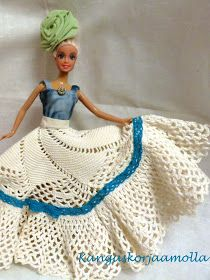ompele barbille hame pitsiliinasta Sewing Barbie Clothes, Barbie Wardrobe, Crochet Hats, Disney Princess, Disney Characters, Fashion, Vestidos, Doll, Crochet Stitch Tutorial