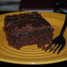 The classic chocolate sheet cake with cooked chocolate frosting. It uses a whole can of sweetened condensed milk. Milk Chocolate Frosting Recipe, Chocolate Cake Recipe Videos, Tasty Chocolate Cake, Vegetarian Chocolate, Chocolate Recipes, Mexican Chocolate, Chocolate Cream, Old Fashioned Chocolate Cake, Sheet Cake Recipes
