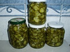 UBORKASALÁTA TÉLIRE ;) – Recept Velem Pickles, Cucumber, Mason Jars, Food, Gastronomia, Meal, Eten, Meals, Pickle