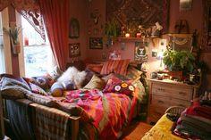 Boho apartment bedroom: bohemian style bedroom interior design ฮ ป ป, ห Bohemian Bedroom Decor, Bohemian Style Bedrooms, Cozy Bedroom, Bedroom Apartment, Dream Bedroom, Master Bedroom, Gothic Bedroom, Bohemian Living, Wallpaper English