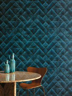 Elitis heeft een hoop bijzondere soorten behang. Zie bijvoorbeeld dit mooie patroon, en vooral de diepe petrolkleur! Prachtig.