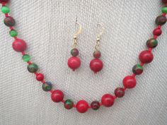 Christmas Red Green Blue Mosaic Quartz Necklace by jazzybeads