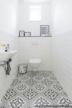 Bathroom Color Ideas With the Most Likes (COMPLETE) Dreaming House - Wohnkultur // Badezimmer im Erdgeschoss - Bathroom Decor White Bathroom, Bathroom Interior, Modern Bathroom, Bathroom Marble, Bathroom Small, Small Vintage Bathroom, Bathroom Feature Wall, Bathroom Toilets, Bathroom Furniture