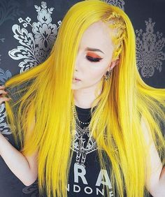 Yellow hair up in hurr Yellow Hair Dye, Hair Color Blue, Cool Hair Color, Hair Colors, Straight Lace Front Wigs, Coloured Hair, Dye My Hair, Hair Blog, Dyed Hair
