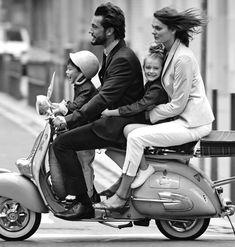 Black and White Vespa Photo with Family Piaggio Vespa, Scooters Vespa, Scooter Moto, Lambretta, Motor Scooters, Vintage Vespa, Vespa Girl, Scooter Girl, Retro Scooter