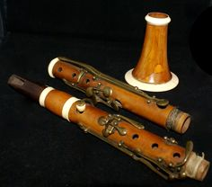 Old Musical instruments - Old 19th century clarinet BartholomÌ ( 1791-1870)