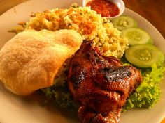 Ayam Bakar & Nasi Goreng Baginda Raja. Kuliner khas Sunda resep bangsawan Sunda.