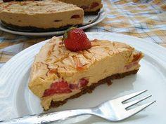 CVRČEK NA TALÍŘI: KARAMELOVÝ NEPEČENÝ CHEESECAKE S JAHODAMI Cheesecake, Pie, Desserts, Food, Torte, Tailgate Desserts, Cake, Deserts, Cheesecakes