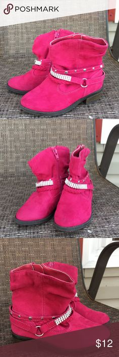 """Piper girls pink suede ankle boots with zip sides Very cute girls boots great condition except missing some rhinestones on on shoe ( see pic) zip sides, no wear, 3/4"""" heel. Piper Shoes Boots"""