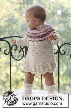 "DROPS Baby - DROPS dress with pattern and raglan sleeve and booties in ""Alpaca"". - Free pattern by DROPS Design Baby Knitting Patterns, Knitting For Kids, Crochet For Kids, Baby Patterns, Free Knitting, Knit Crochet, Crochet Patterns, Drops Design, Knitted Baby Outfits"