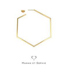 Scegli un orecchino esagono grande, della linea semplice e raffinata della collezione Forme Pure.