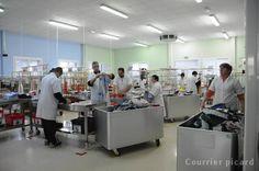 11/12/13. PICARDIE. Fiers d'être diplômés pour leur travail à l'Esat. LIRE http://www.courrier-picard.fr/region/fiers-d-etre-diplomes-pour-leur-travail-a-l-esat-ia0b0n262433