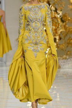Guo Pei Details HC S'16   www.aromatiqueessentials.com.au