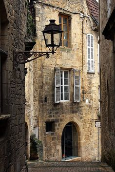 Ancient Street, Sarlat, France gahhh why doesn't america look like this it would be sooo much more pretty