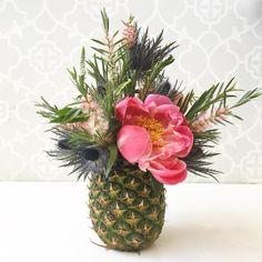 Pineapple Arrangement! Charming Entertaining, DIY, Sweet recipes, Travel Los Angeles | SNAPCHAT, Pinterest  @sugarandcharm