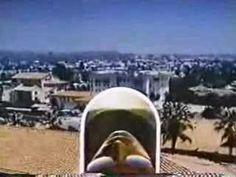 Santa Barbara est une série des années 80. Version française du générique, chantée par Gilles Sinclair.