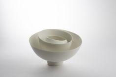 Yoon Sol, Infinity; porcelain, glaze and slipcasting; 25 x 30 cm
