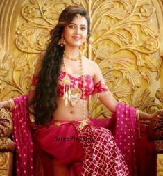 Beautiful Blonde Girl, Beautiful Girl Photo, Beautiful Girl Indian, Most Beautiful Indian Actress, Beautiful Bride, Indian Navel, Indian Actress Pics, 10 Most Beautiful Women, Indian Bridal Wear