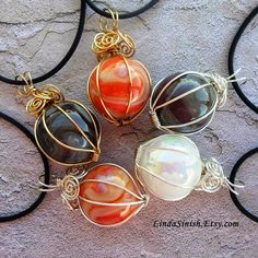 Artyzen Studio by Linda Sinish: Wrapping a Marble Pendant - Free Tutorial