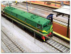 Locomotora diesel 333 RENFE. Escala H0.