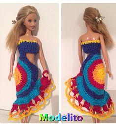 Irresistible Crochet a Doll Ideas. Radiant Crochet a Doll Ideas. Moda Barbie, Barbie Et Ken, Crochet Doll Dress, Crochet Barbie Clothes, Barbie Clothes Patterns, Doll Dress Patterns, Barbie Wardrobe, Easy Crochet Projects, Barbie Dress