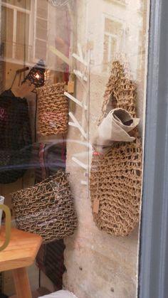Panier, corbeille tressé en macramé de papier recycle chez TheCollection 33 rue de Poitou Paris et sur notre site