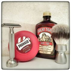 November 9th 2016 - Shave of the day #Rocnel DE42 safety razor ( TR ) #Treet black carbon blade ( PAK ) #Proraso Red shaving cream #sandalwood ( ITA ) #LuckyTiger aftershave ( USA ) #Dawey #synthetic #vegan shaving brush ( FR ) #shavelikeaman #shaveoftheday #blaireau #shavingculture #thebigshave #sotd #classicshave #derazor #vintageshave #wetshaving #worldshave #safetyrazor #instashave #italianwetshavers #rasierhobel #rasaturatradizionale