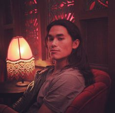 """booboo stewart if u read this i'm free on tuesday and would like to hang out please respond to this and then hang out with me on tuesday when I'm free"" Native American Men, American Actors, Pretty Men, Pretty Boys, Pretty People, Beautiful People, Miles Mcmillan, Booboo Stewart, Fine Boys"