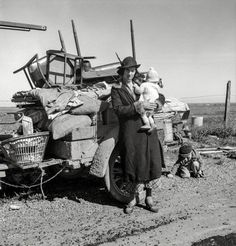 Missouri family of five, seven months from the drought area. 99 near Tracy, California Photographer Dorothea Lange Created February 1937 Photogrammar Great Depression, Marie Curie, James Dean, Steve Jobs, Old Pictures, Old Photos, Shorpy Historical Photos, Einstein, Mother Teresa