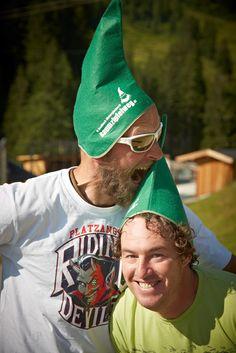 1 Tag - 2 Freunde - 16 Sportarten - 100 % Action in Saalbach Hinterglemm  Wie viele Aktivitäten schafft man an einem Tag in Saalbach Hinterglemm? Bei weitem nicht alle, die die Region zu bieten hat.   Es gibt viel zu tun in Saalbach Hinterglemm. Viel Spaß beim Entdecken! Friends, Vacation