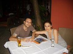 Gece yaptıklarımız arasında Living Room isimli bar'da içki içmek (bira 1.8 euro, su 1 euro), kafelerde oturup machiatto (tanesi 1 euro) içmek ve dondurma (2 top 1.4 euro) yemek geliyor... http://www.geziyorum.net/karadag-montenegro-gezisi-podgorica/