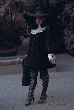Fatal Fashion, sporkii:   From this outfit minus the neck bow.