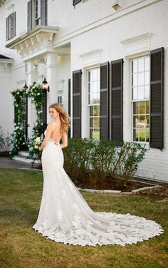 Destination Wedding Dress with Lace and Tulle - Martina Liana