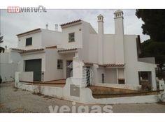 Moradia T4 Cascalheira, Quarteira Casas No Algarve, Mansions, House Styles, Home Decor, Townhouse, Mansion Houses, Homemade Home Decor, Manor Houses, Fancy Houses