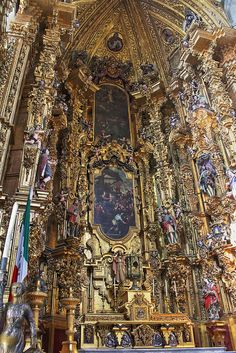 Mexico, interior del altar de la Cathedral Metropolitana.