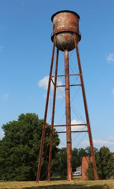 Tower House, Tank I, Water Tower, Gentle Giant, Water Tank, Art And Architecture, Small Towns, Towers, Prison