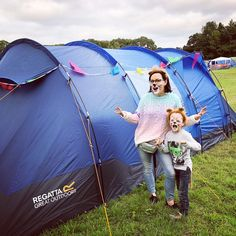 17 festival camping tips for families from seasoned pros - nomipalony Rv Camping Tips, Camping Supplies, Camping Essentials, Camping Meals, Camping Recipes, Festival Camping, Safety Tips, Outdoor Gear, Ranger