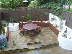 We are the smart garden solutions. Modern Fountain, Garden Solutions, Smart Garden, London Garden, Water Supply, Surrey, Contemporary Style, Evergreen, Garden Landscaping