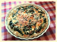 Spinazie quiche (met feta, pijnboompitten, zongdrd tomaten) Heerlijk! Recept op aanvraag:-)