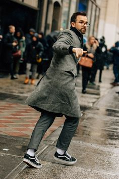 The Fall/Winter 2018 fashion shows end in N. where the industry's most stylish guys prove that street style in winter can be a very good thing. Mode Masculine, Stylish Mens Fashion, Men's Fashion, Fashion Ideas, Fashion 2018, Fashion Styles, Fashion Photo, Stylish Menswear, Fashion Outfits