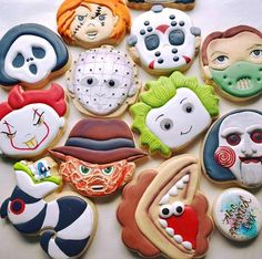 Hope everyone is still alive today. Halloween Donuts, Halloween Cookie Recipes, Halloween Cookies Decorated, Halloween Sugar Cookies, Iced Sugar Cookies, Halloween Baking, Halloween Snacks, Royal Icing Cookies, Halloween Party