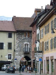 rue Sainte-Claire, Annecy, France Annecy France, Claire, My Photos, Street View, Castle, City, Viajes, Alps, Park