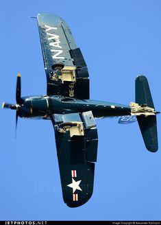 Le Chance Vought F4U Corsair est un avion militaire, fabriqué par les États-Unis, utilisé de la Seconde Guerre mondiale jusqu'en 1968. C'est l'un des appareils les plus connus de la Seconde Guerre mondiale, notamment grâce à la série télévisée Les Têtes brûlées. Il s'illustra essentiellement dans le Pacifique, servant à la fois au sein de l'US Navy et de l'US Marine Corps. Wikipédia