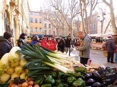 Market stalls for sale in Aix-en-Provence #AixenProvence @shutrssunflowrs