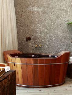 Wood Bathtub · Kenoa Resort / Osvaldo Tenório