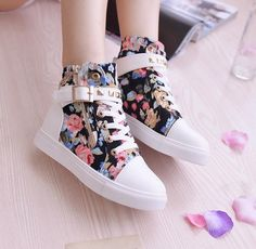 Students floral canvas high help shoes · Fashion Kawaii [Japan & Korea] · Online Store Powered by Storenvy Studded Sneakers, Sneakers Mode, Sneakers Fashion, Fashion Shoes, Mens Fashion, Cheap Fashion, Girl Fashion, Pretty Shoes, Beautiful Shoes