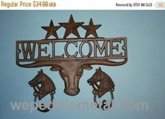 1 set, Longhorn Welcome Sign, 2 Looped Horsehead Hooks, Housewarming, Cast Iron Decor, Country Western, Welcome Decor, Front entranc