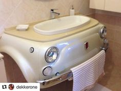 LOVE this Fiat 500 bathroom sink! Shared by www.highroadorganizers.com Automotive Furniture, Car Part Furniture, Automotive Decor, Kids Furniture, Furniture Plans, Fiat 500 Interior, Car Sofa, Boutique Deco, Ideas Baños