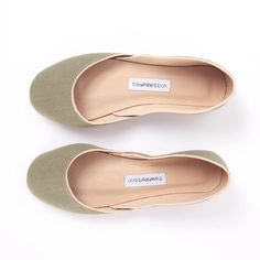 Add Spring to your step with these cool green flats reminiscent of our sneakpeeq fave, Fern Canyon.